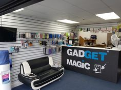 We provides all sorts of Mobile Phone ans computer, laptop ipad iPhone repairs services at www.ogodeal.com