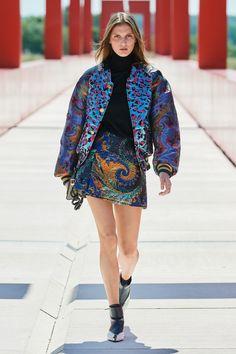 Pop Fashion, Runway Fashion, Fashion Outfits, Womens Fashion, Fashion Trends, Paris Fashion, Fashion Inspiration, Vogue, Fashion Show Collection