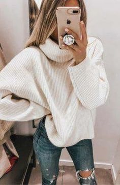 Cozy oversized white knit sweater with trendy ripped denim jeans. 2019 Cozy oversized white knit sweater with trendy ripped denim jeans. The post Cozy oversized white knit sweater with trendy ripped denim jeans. 2019 appeared first on Sweaters ideas. Winter Outfits For Teen Girls, Fall Outfits, Casual Outfits, Black Outfits, Winter Snow Outfits, Snow Day Outfit, Denim Outfits, Nice Outfits, Ripped Denim