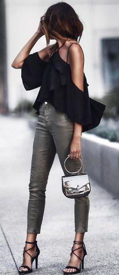 cool outfit: black top + skinnies + heels