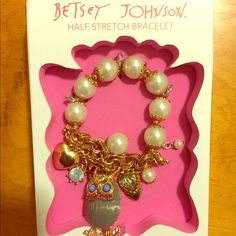 Betsey Johnson Owl Bracelet Very cool Betsey Johnson charm bracelet.  For the owl lover or the just plain pretty lover.  This is so fun.  A Betsey conversation piece.  NWT and in box. Betsey Johnson Jewelry Bracelets