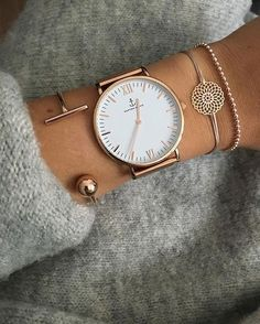 Blog Post: Check out how to style #golden #jewelry like a pro #fashionista. Learn more here --> Chunky sweater, Cuff bracelets, Watch