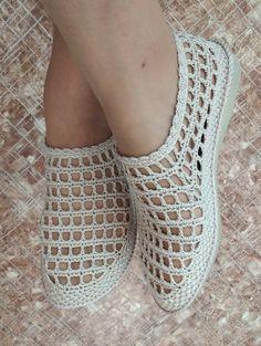 Crochet Towel, Knitted Slippers, Crochet Slippers, Baby Girl Sandals, Crochet Baby Sandals, Baby Booties, Baby Shoes, Crochet Baby Dress Pattern, Crochet Patterns