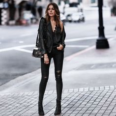 all black everything Rocker Chic Outfit, Rocker Chic Style, Urban Fashion  Trends, Gold