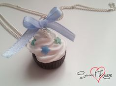Cupcake necklace decorated with stars