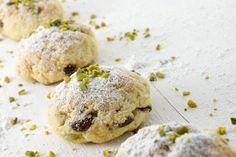I biscotti morbidi al pistacchio sono dei dolcetti dal sapore intenso, perfetti per accompagnare un tè o un caffè. Ecco la ricetta