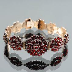 Granaattirannekoru, hopeaa. Crown, Jewelry, Corona, Jewlery, Jewerly, Schmuck, Jewels, Jewelery, Crowns