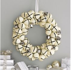 Inspire Bohemia: Holiday Wreaths: Crafts and Fabric