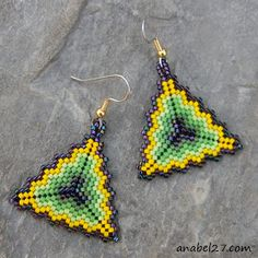 Colorful Seed bead earrings Triangle Peyote by Peyote Beading, Seed Bead Earrings, Seed Beads, Crochet Earrings, Seed Bead Projects, Beading Projects, Beading Tutorials, Beading Patterns, Boucle D'oreille
