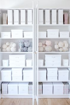 Lauren Conrad's Organized Shelves Are the Stuff of Marie Kon.-Lauren Conrad's Organized Shelves Are the Stuff of Marie Kondo Dreams Lauren Conrad's Organized Shelves Are the Stuff of Marie Kondo Dreams - Small Space Organization, Home Office Organization, Office Decor, Bathroom Organization, Organizing Ideas, Pantry Office, Closet Organisation, Office Storage, Bathroom Storage