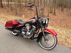 Want my Road King like this. But all black Nice #Rims. Protect them with #WheelBands. Only at #Rvinyl.