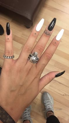 Edgy Nail Art, Edgy Nails, Goth Nails, Aycrlic Nails, Stylish Nails, Simple Acrylic Nails, Best Acrylic Nails, Summer Acrylic Nails, Acrylic Nail Designs