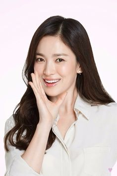 Shilla new pics Spoiler cr to SHK dc -edit- lol, I wasnt so lucky to see our goddess in person. Korean Actresses, Korean Actors, Daegu, Korean Beauty, Asian Beauty, Song Hye Kyo Style, Songsong Couple, Song Joong Ki, Shabby Chic