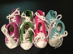 Here in the Waiting Place: Crocheted Baby Converse!