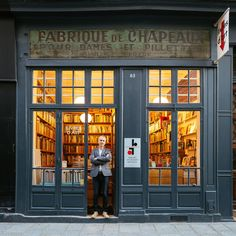 Snapshots: the shopfronts of independent Paris: book store