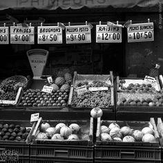 Bakery Store, Paris Photos, Raisin, Farmers Market, Black And White, People, Restaurants, Miniature, Window