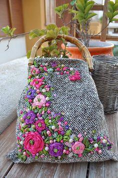 Art Bag, Tweed Fabric, Embroidered Bag, White Handbag, Christmas Gifts For Women, Estilo Boho, Fabric Bags, Lace Making, Printed Bags