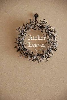 Wire Flowers, Giant Flowers, Glass Jewelry, Wire Jewelry, Minimalist Christmas Tree, Copper Wire Art, Wedding Planer, Wire Wreath, Metal Artwork