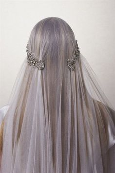 OH MY GOODNESS WHERE WAS THIS VEIL WHEN I WAS GETTING MARRIED???