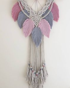 Could not fit the stick into the frame 🙈… Macrame Wall Hanging Patterns, Macrame Hanging Planter, Macrame Plant Hangers, Macrame Patterns, Crochet Patterns, Macrame Projects, Crochet Projects, Origami And Quilling, Macrame Design
