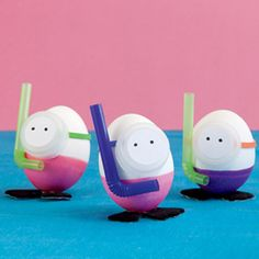Diving Eggs! Mini snorkels, mini flippers, these eggs are ready to dive. A fun craft for Easter, or any time of the year.