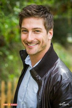 Daniel Lissing from When Calls the Heart...