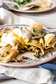 Mushroom Crêpes with Poached Eggs. A simple yet stunningly elegant Mushroom Crêpes with Poached Eggs you can serve up anytime of the day! Crepe Recipes, Brunch Recipes, Breakfast Recipes, Breakfast Dishes, Best Pancake Recipe, Pancake Recipes, Shiitake, Savory Crepes, Cooking Wine