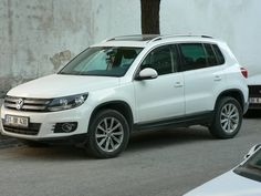 Vw Tiguan, Dream Cars, Volkswagen, Old Things, Garage, Facebook, Garages, Carriage House, Garage House