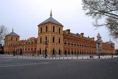 El palacio de San Telmo (Sevilla) es un edificio de estilo barroco ubicado en la ciudad de Sevilla, en la comunidad autónoma de Andalucía (España). Su construcción se inició en 1682 para instalar la sede del colegio-seminario de la Universidad de Mercaderes, y en la actualidad alberga la Presidencia de la Junta de Andalucía.