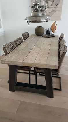 Table à manger A-frame Robust Diy Dining Room Table, Wooden Dining Tables, Table And Chairs, Home Room Design, Dining Room Design, Esstisch Design, Dining Room Inspiration, Woodworking Furniture, Farmhouse Table