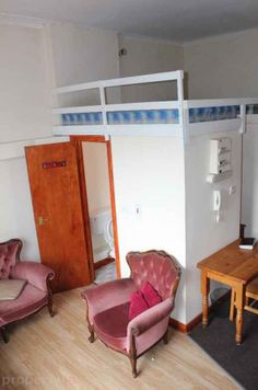Looking for an apartment in downtown Dublin? Don't mind sleeping above a toilet on some bunkbeds? This is the property for you.