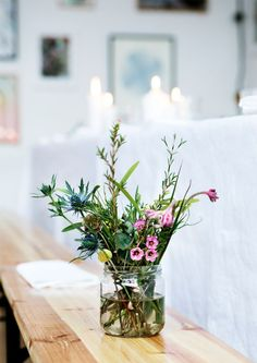 How to Make Simple DIY Flower Arrangements   I'm sharing a few tricks and tips for making your own simple flower arrangements from grocery store flowers and every day wildflowers.   how to arrange flowers   flower arrangement tips and tricks   DIY flower arrangements    Glitter, Inc.