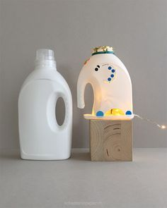 DIY Lampe – Der Elefant aus der Waschküche schaeresteipapier: DIY lamp – The elephant from the laundry room Diy Tumblr, Elephant Lamp, Reuse Plastic Bottles, Recycling Containers, Lamp Makeover, Diy Upcycling, Diy Outdoor Furniture, Upcycled Crafts, Diy For Kids
