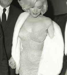 Ciężarna Marilyn Monroe. Niezwykłe zdjęcia ujrzały światło dzienne po prawie 60 latach - WP Gwiazdy