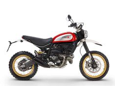 The latest version of Ducati's retro Scrambler is this, the Ducati Scrambler Desert Sled. The well-equipped, street-legal, enduro racer is equipped with Ducati Scrambler 2017, Scrambler Cafe Racer, Inazuma Cafe Racer, Cafe Racer Bikes, Scrambler Motorcycle, Cafe Racers, New Ducati, Moto Ducati, Bmw