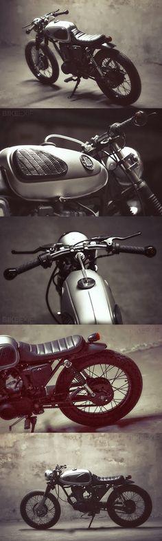 Beautiful Retro Honda 125cc Small Motorcycles, Custom Motorcycles, Custom Bikes, Tracker Motorcycle, Moto Bike, Honda 125, Cafe Racer Honda, Vintage Cafe Racer, Honda Motors