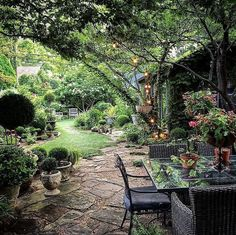 Cottage In The Woods, Garden In The Woods, Outdoor Garden Rooms, Outdoor Gardens, Outdoor Living, Back Gardens, Small Gardens, Porches, Fresco