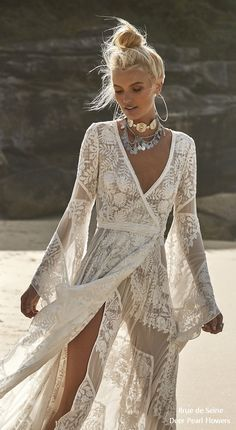 Rue de Seine Bohemian Wedding Dresss – Moonlight Magic Rue de Seine Moonlight Magic Boho Wedding Gown Harlow_close through Boho Gypsy, Bohemian Bride, Bohemian Wedding Dresses, Hippie Dresses, Boho Dress, Bohemian Style, Bohemian Beach, Dress Lace, Hippie Bride