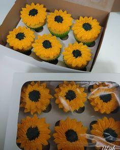 #sunflowers #cupcakes #cake #dlish Sunflowers, Cupcakes, Cupcake, Cupcake Cakes, Cup Cakes, Sunflower Seeds, Tarts