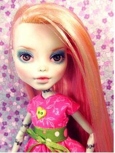 OOAK Frankie Stein Repaint Reroot ~ Custom Monster High Doll ~ Dressed Outfit