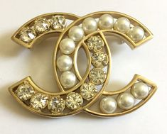 43fd770d9e7 CHANEL CLASSIC Pearl Crystal Fashion Brooch Pin GOLD Hollow CC Authentic NIB !