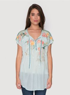 You'll treasure the Johnny Was ROMEO BLOUSON for years to come! This boho embroidered top features a colorful botanical embroidery design along the neckline and down the front. With embroidered neck ties, dolman sleeves, and a split rounded hem, the ROMEO Quirky Fashion, Colorful Fashion, Johnny Was Clothing, Pretty Patterns, Embroidered Blouse, Vintage Inspired, What To Wear, Tunic Tops, Fashion Outfits