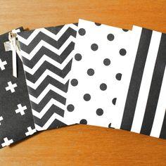 最近の100円ショップの商品クオリティには、度肝を抜かれっ放しですが。 ふと目に留まった折り紙のコーナー、その色柄の可愛さに、心奪われ。 切ったり貼ったりしない、折るだけ簡単なポチ袋、作ってみましたよ。