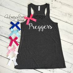Preggers tank, Choose bow color! Pregnancy Announcement, Gender Reveal, flowy tank black or gray, maternity, preggo shirt Women's S-2XL by HoneyLoveBoutique