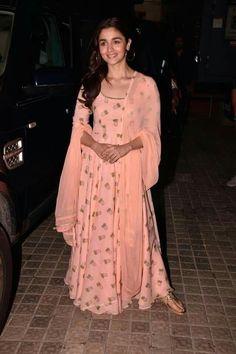 59 Ideas For Bridal Lehenga Punjabi Indian Outfits Kurta Designs Women, Salwar Designs, Indian Attire, Indian Ethnic Wear, Patiala Suit Wedding, Indian Designer Outfits, Designer Dresses, Indian Dresses, Indian Outfits