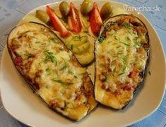 Zapečené baklažány plnené zeleninou a syrom (fotorecept) - Recept Eggplant, Guacamole, Baked Potato, Zucchini, Grilling, Food And Drink, Vegan, Vegetables, Cooking