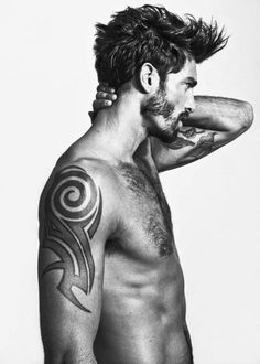 Dudeoir - Dudoir - Male Boudoir - Photography - Black and White - Portrait - Tattoos - Ink - Editorial - Pose Idea