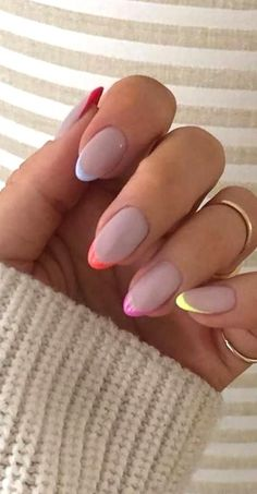 Pink Tip Nails, Classy Acrylic Nails, Best Acrylic Nails, Gold Nails, Colored Tip Nails, Colored French Nails, Short French Nails, Gradient Nails, Gel Nail Art