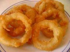 Os Palitos de Cebola são petiscos deliciosos, práticos e que combinam com qualquer hora e lugar. Experimente! Veja Também:Biscoitinhos com Creme de Cebola