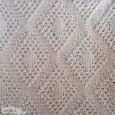 Moss Bordered Diamond is a versatile stitch. It's reversible